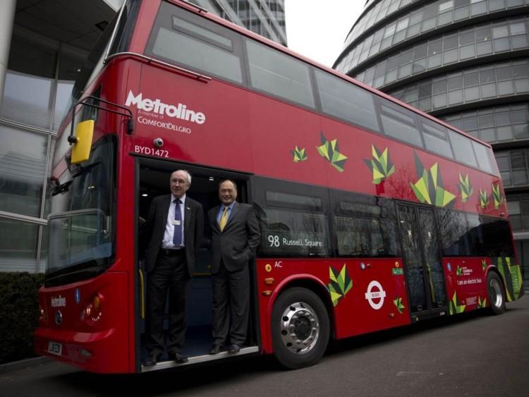Isbrand Хо управляющий директор китайской компании BYD,которая выпустила первый в мире электрический двухэтажный автобус