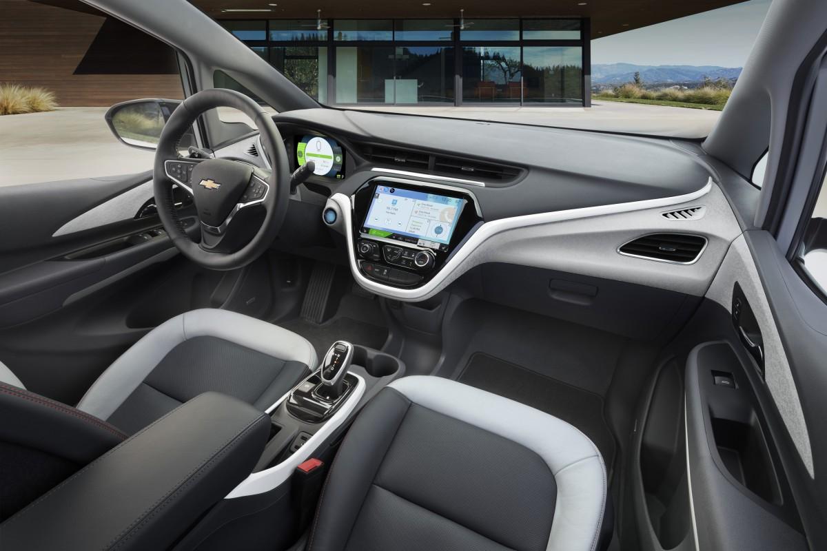 2017-Chevrolet-BoltEV-018-1200x800