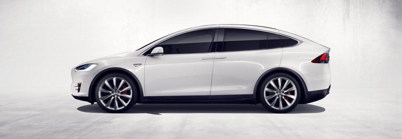 Tesla Model X — 2 в 1: кроссовер и спорткар