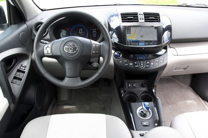 Rav4-EV-elektromobili-elmob