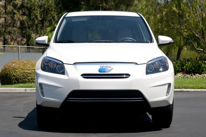 Toyota-RAV4-EV-elektromobili-elmob