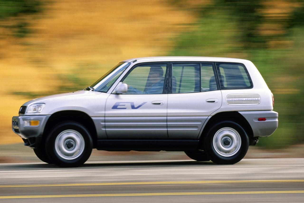 toyota_rav4-ev-elektromobil-yaponiya-elmob