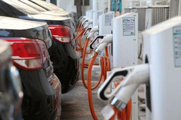 kitay-infrastruktura-zaryadnye-stantsii-elektromobil'-elmob
