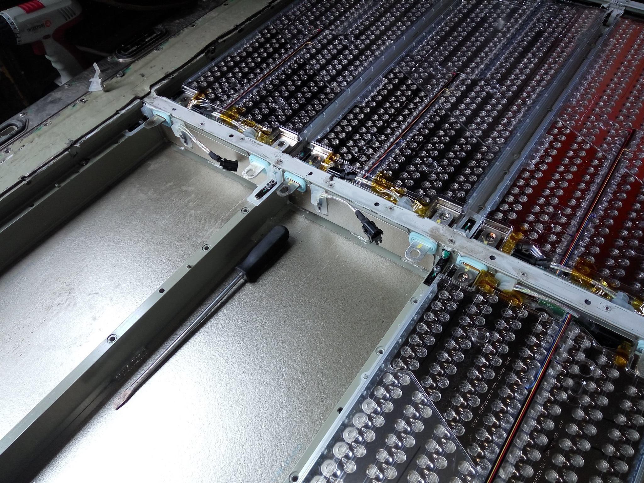 Батареи TESLA от ELMOB 9