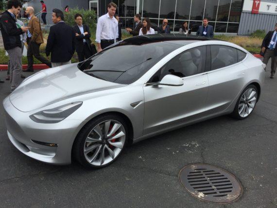tesla-model_3-elektromobili-elmob