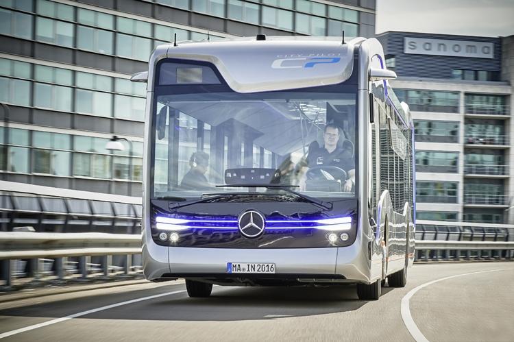 Компания Daimler mersedes автобус