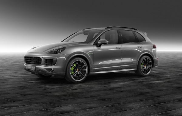продажи электромобилей Porsche Cayenne S e-Hybrid