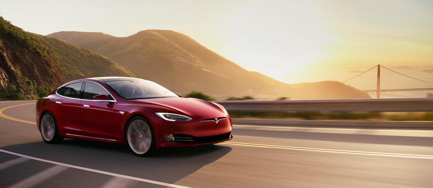 фото Tesla Model S