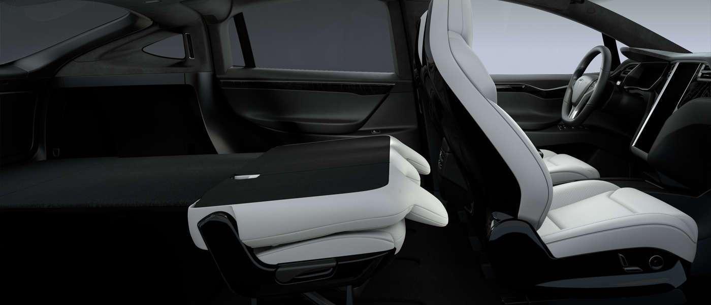 Tеsla Model X складные сидения