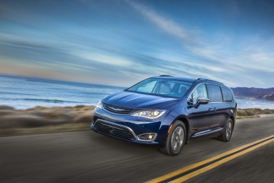 Chrysler Pacifica гибрид 2017