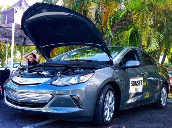 электромобиль Chevy Volt 2017
