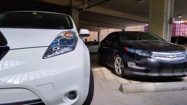 Chevy Volt и Nissan Leaf