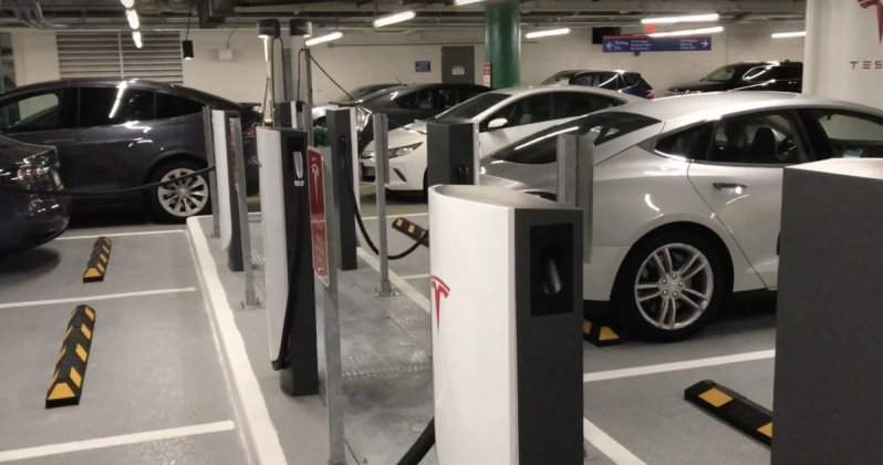 novyiy Supercharger tesla