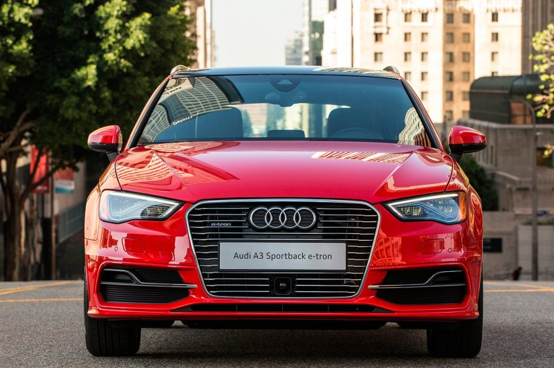 2016-Audi-A3-e-Tron