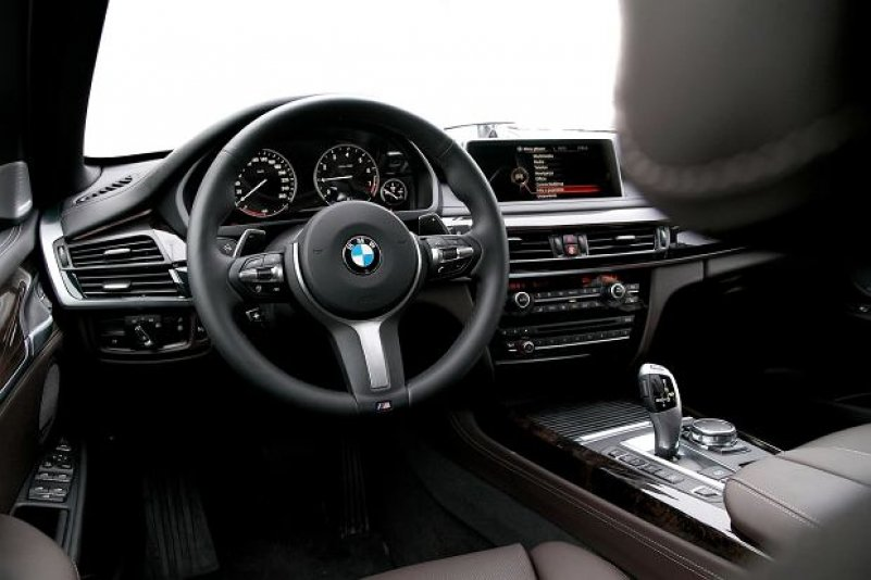 BMW X5 xDrive40e интерьер 2