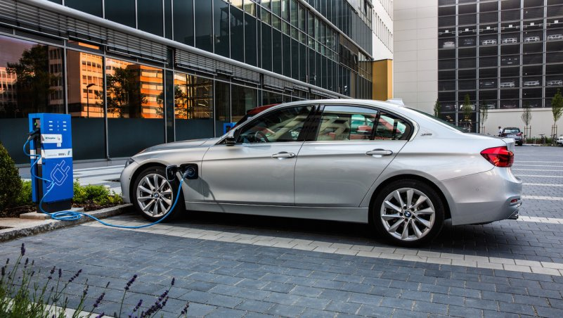 BMW плагин гибрид