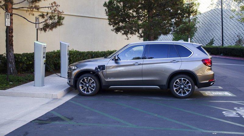 плагин гибрид BMW X5 xDrive40e