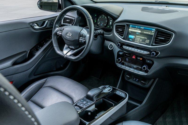 2017-Hyundai-Ioniq-ev-electric-car-interior