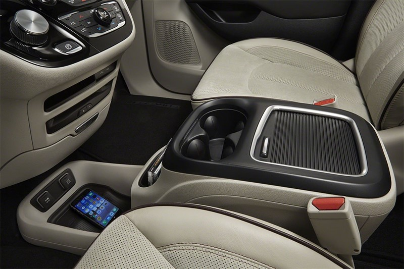 Chrysler-Pacifica-2016