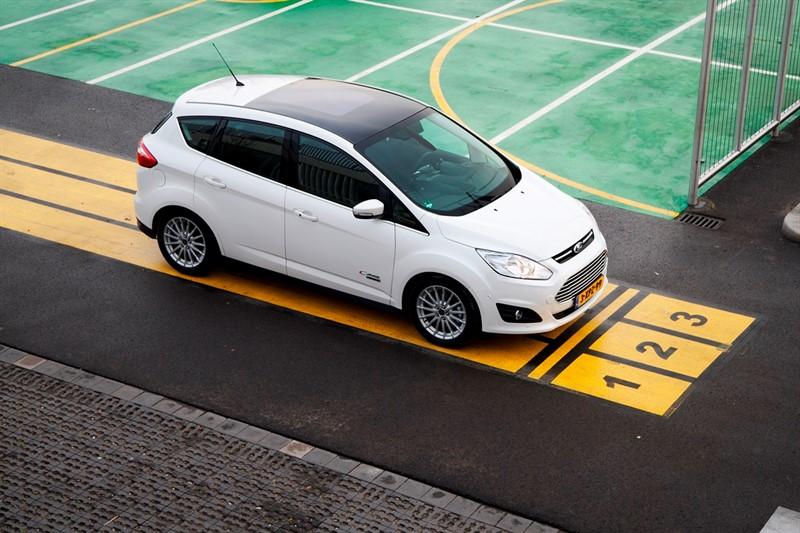 Ford C-Max Energi электромобиль