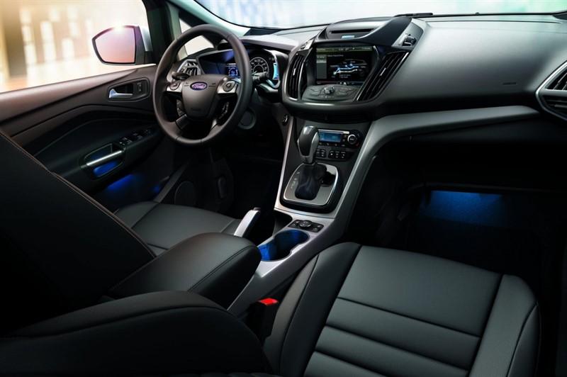 Ford C-Max Energi интерьер