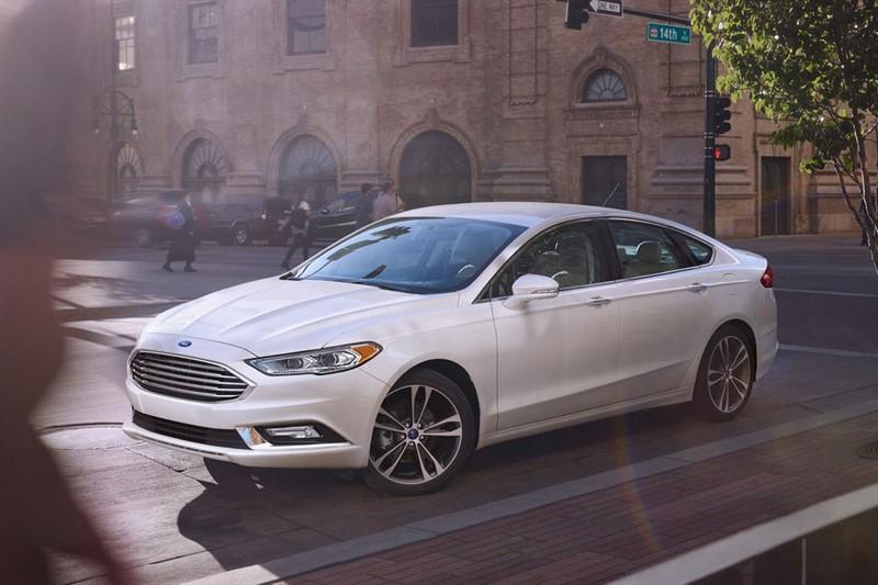 Ford Fusion Energi plug-in