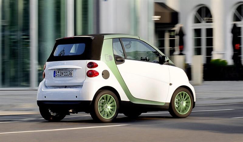 электромобиль smart-fortwo-electric-drive