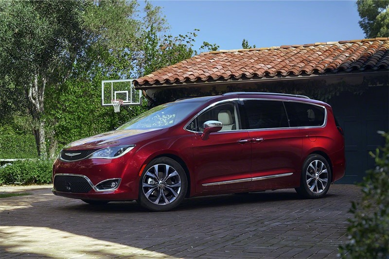 плагин гибрид Chrysler Pacifica Hybrid