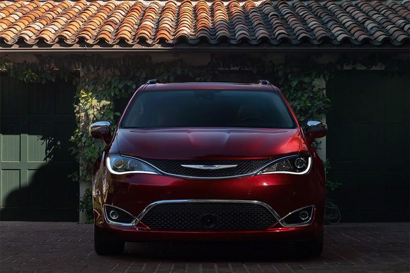 plug-in гибрид Chrysler Pacifica Hybrid