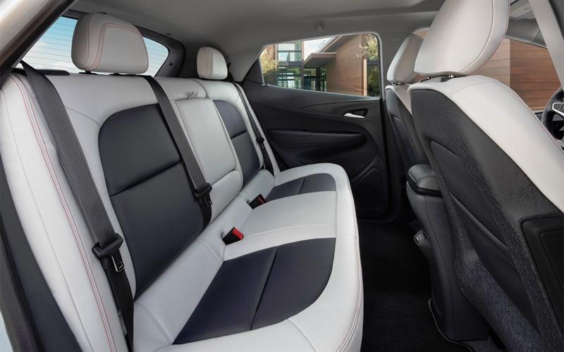 Chevrolet Bolt интерьер
