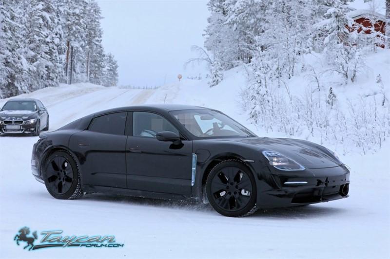 Porsche-Taycan-Prototype-_SB18019_800x532