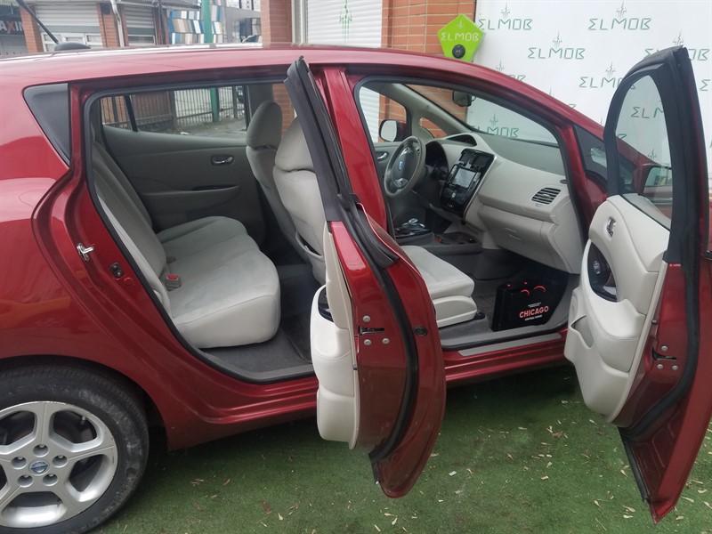 купить Nissan Leaf киев