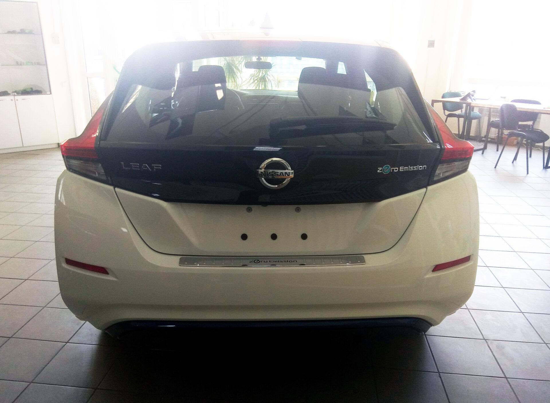 Nissan Leaf купить