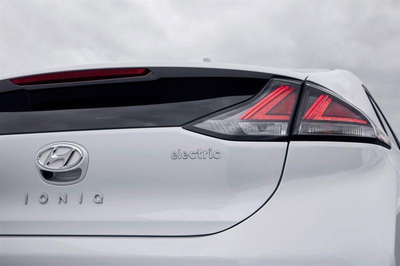 Hyundai-IONIQ-Electric 2020