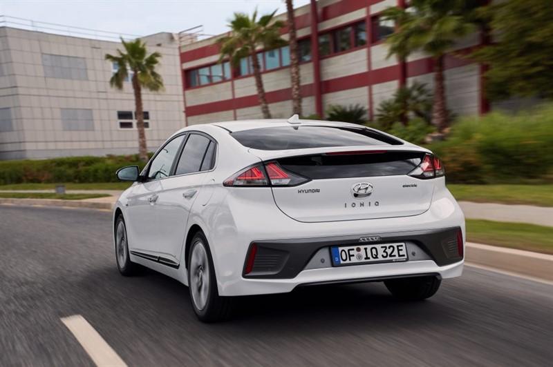 электромобиль Hyundai-IONIQ-Electric