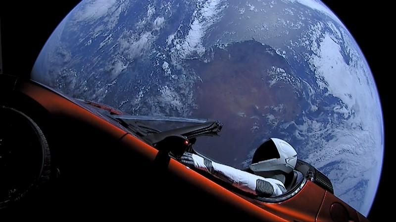 Elon_Musk's_Tesla_Roadster