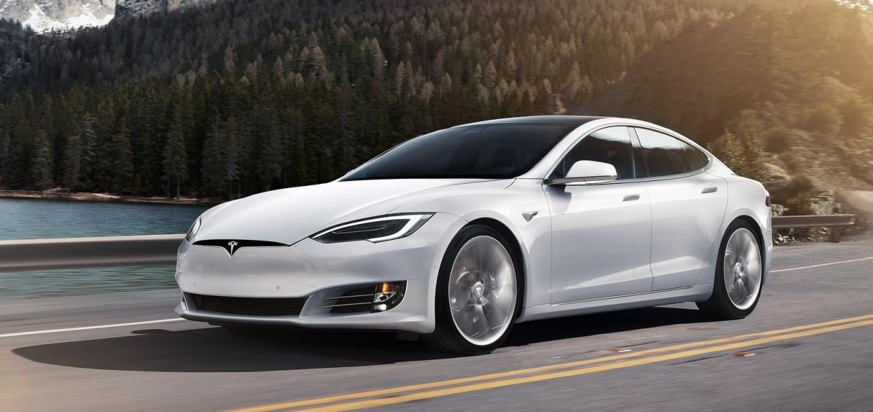 Tesla_Model_S_2019_new_1