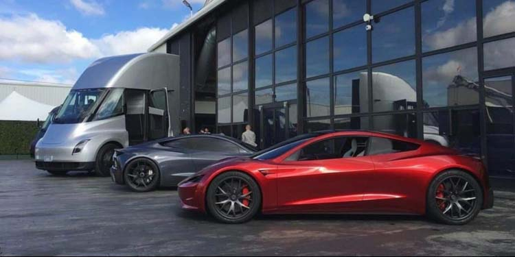 Tesla-family-Semi-Roadster-