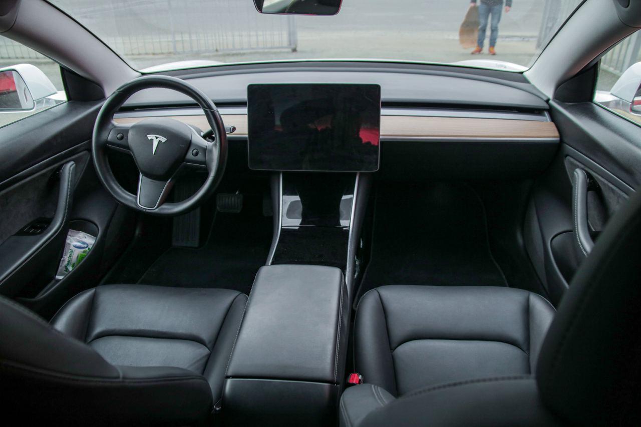 Tesla Model 3 Dual Motor White