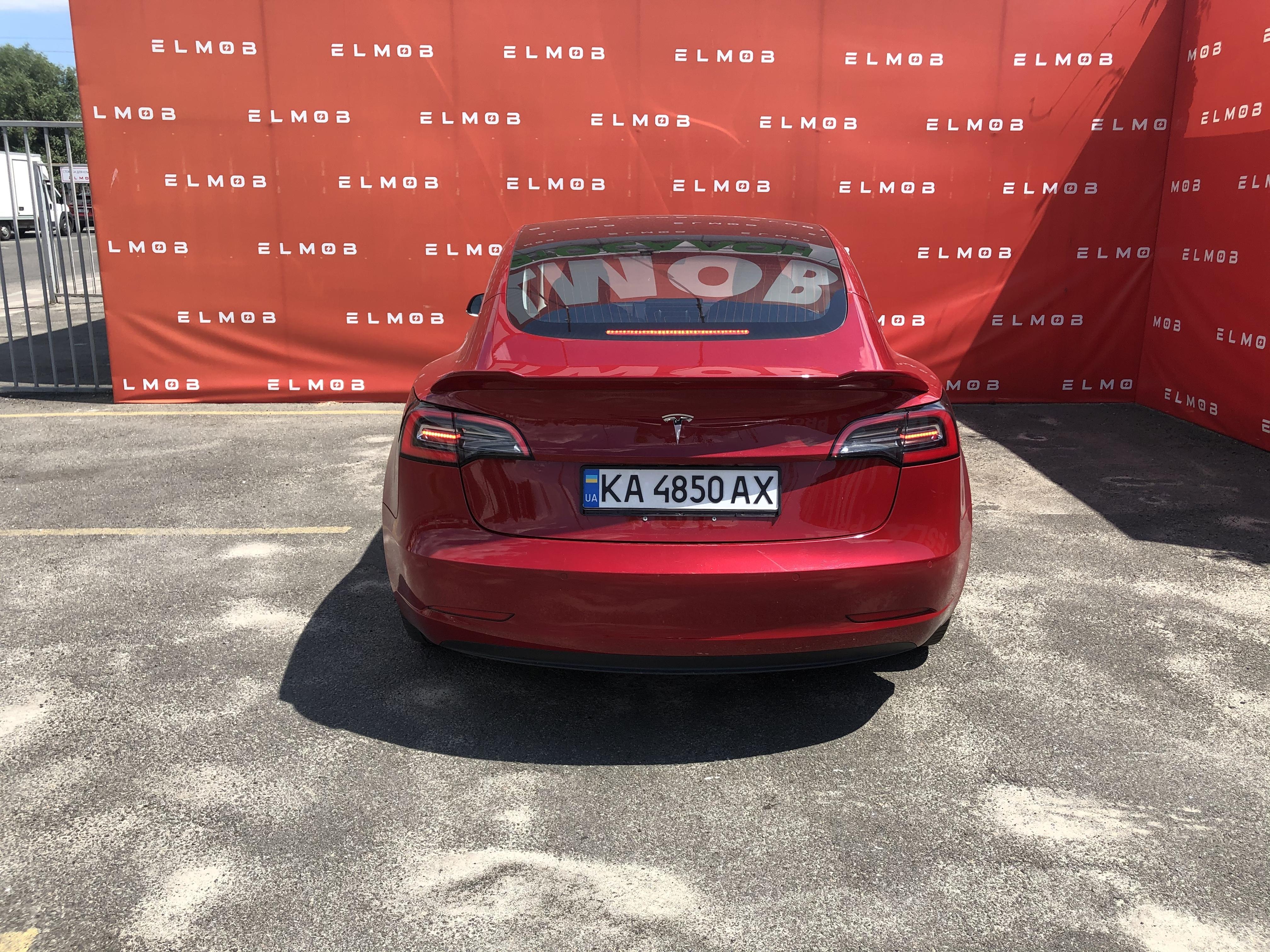 Tesla Model 3 Long Range Red