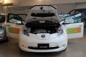 Nissan Leaf в салоне Elmob